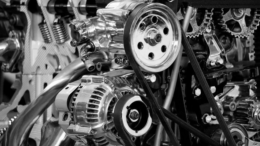 Interior del motor de un coche