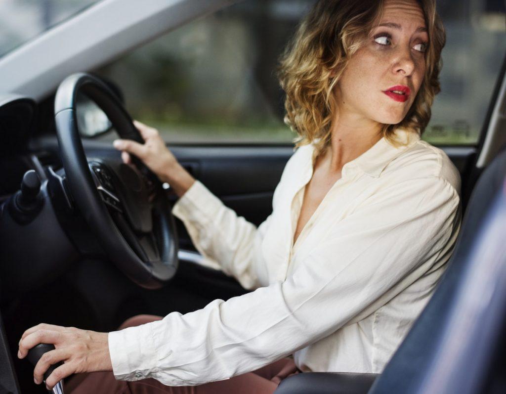 Revisando el coche